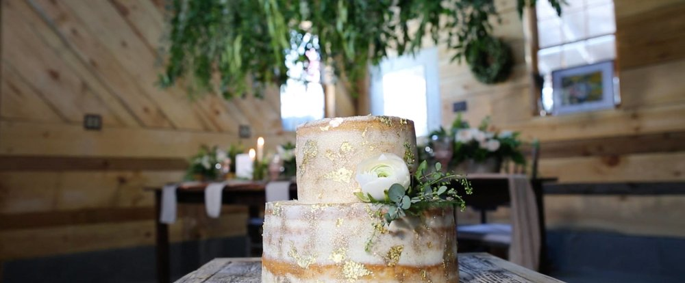 Naked Cake with Gold rustic wedding | photo credit: Harborview Studios