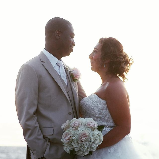 Happy one year anniversary to Chelsea and Carl! We wish you many, many more.  @chelsea_boncoeur @cookphoto @kjfloraldesigns @remixologists @bostonbridalmakeup @designlightco  #simplyadoreboncoeur #harborviewstudios #capecod #capecodwedding #wedding #bride #groom #weddingvideo #beachwedding #love #summerwedding #massachusettswedding #seasidewedding #weddingdress