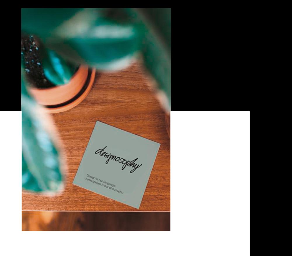 Designosophy ist ein Team aus Experten, die sich als Raumplanerin, Kuratorin und im Salesmanagement spezialisiert haben. Ihr Ziel ist es, außergewöhnliches Design mit hervorragendem Service zu fördern. -