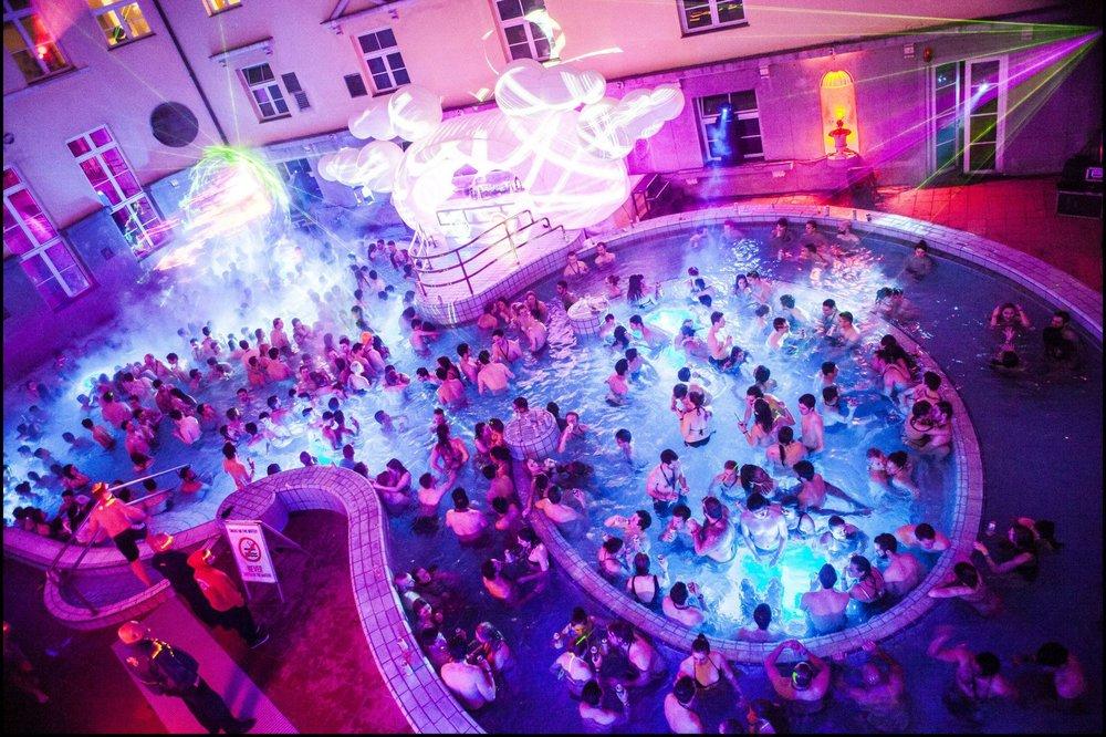 Lukacs-Baths-Pool-Party-Budapest.jpg