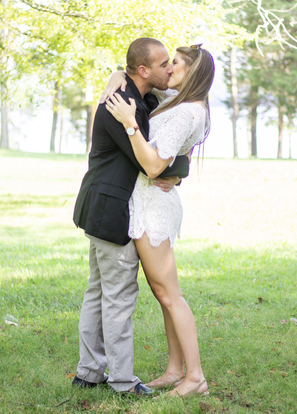 Olivia Shea Style, Engagement Story, Proposal Kiss.jpg