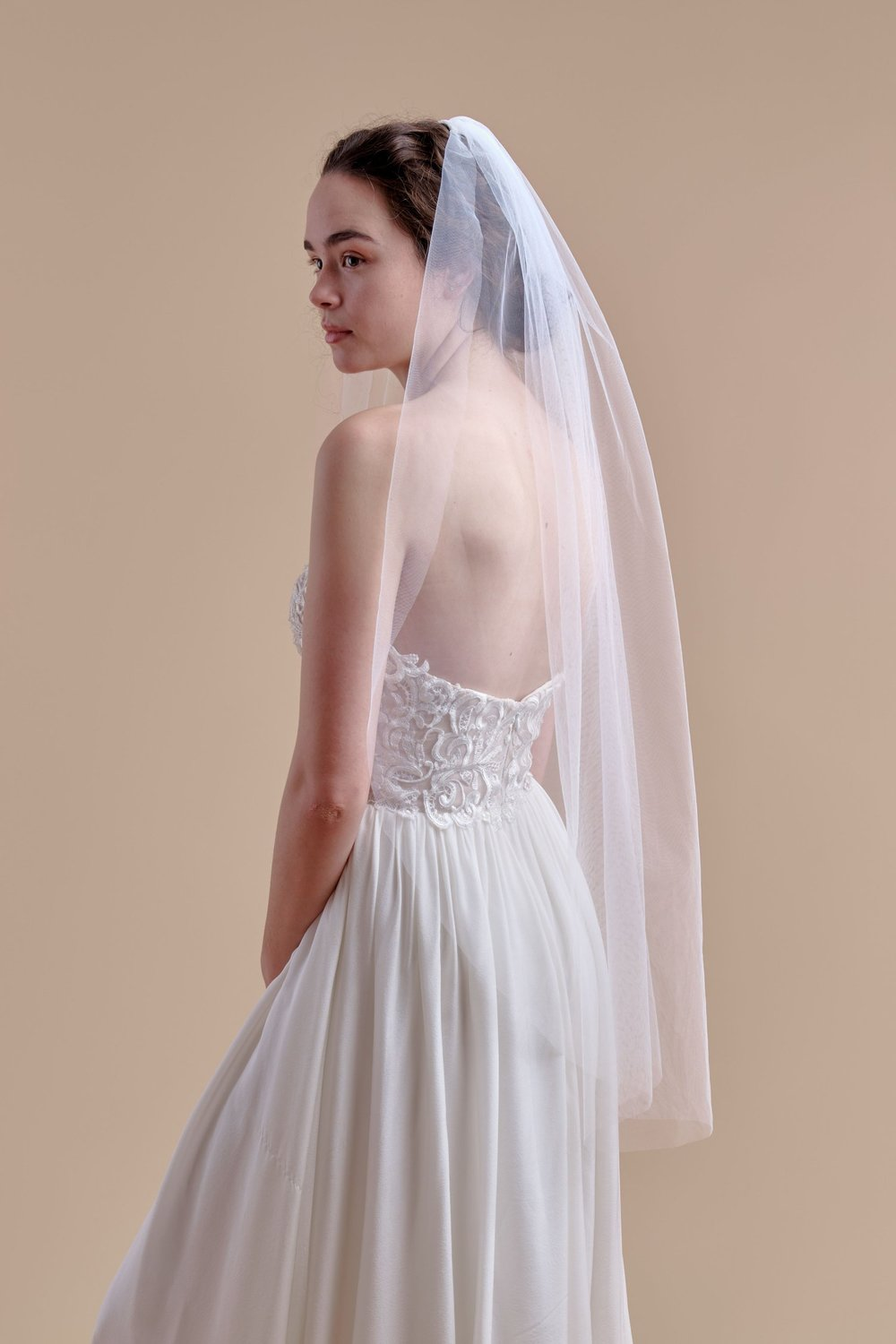 anomalie, basic tulle fingertip veil, affordable veils.jpg