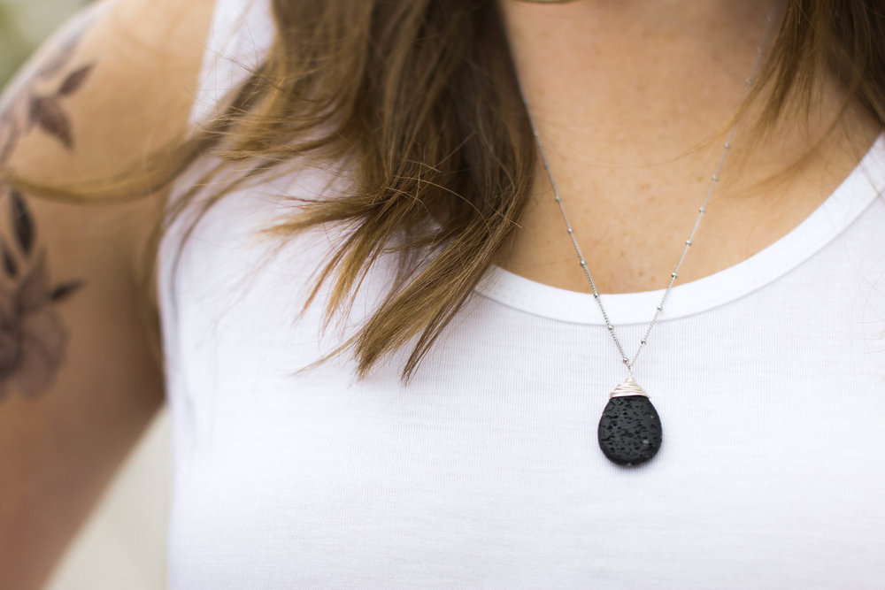 ESSENTIAL OIL TEARDROP LAVA STONE DIFFUSER PENDANT NECKLACE
