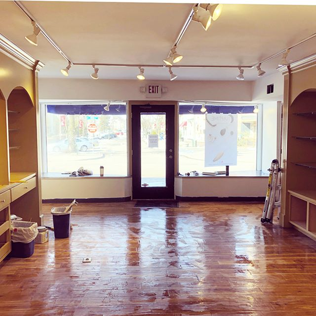 Day 2 of move in and we've successfully painted the walls of the studio floor! The shelves are up next for fresh coat of paint and then we can start the real fun! Still in schedule for our May 3rd Grand opening! @mynaptimejewelry