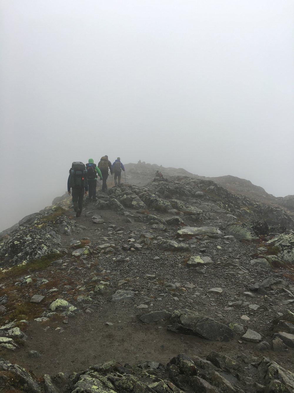 Der var meget tåget på vej mod  Besseggen .