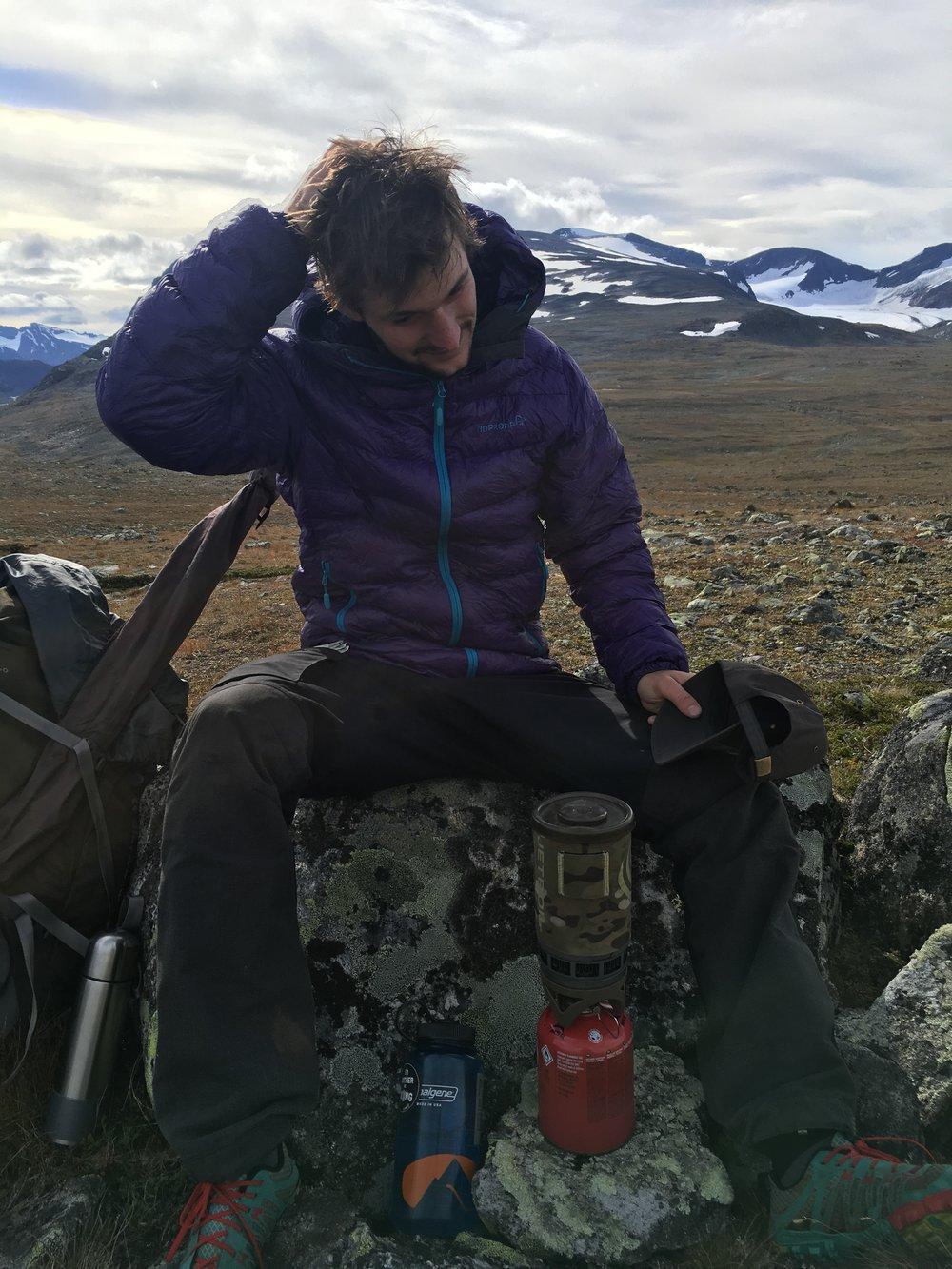 Jakken i brug under pause på fjeldet, vinter 2016  Foto: Jesper Hovkjær