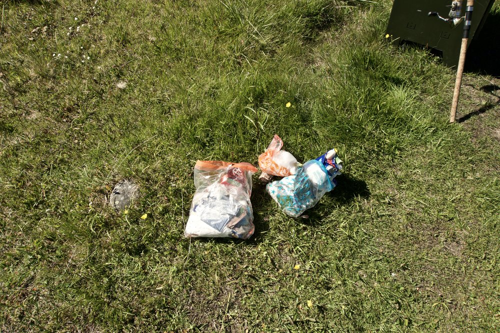 3 poser affald fra hele turen.