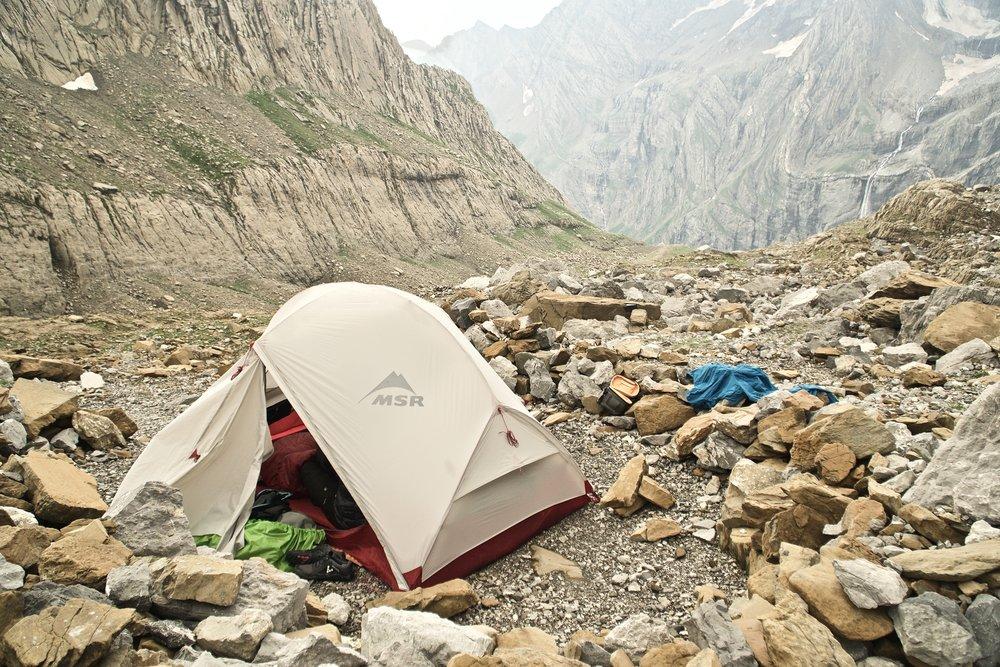 Mit eget telt i brug i pyrenæerne - lige efter passagen til Frankrig gennem  Brèche de Roland.