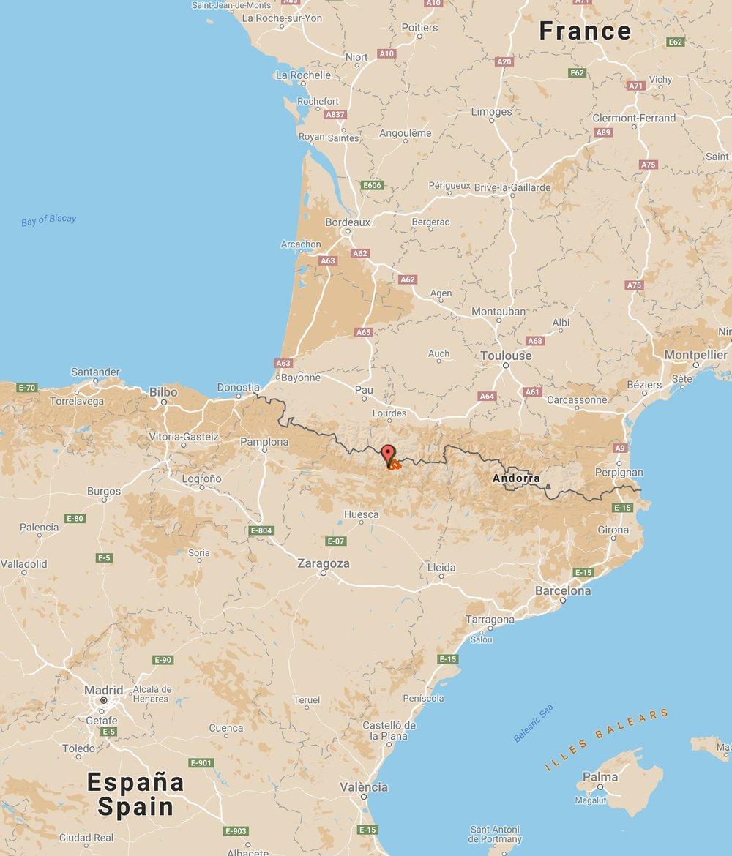 Ordesa  ligger ca 350 km nordvest for Barcelona i  Aragon -regionen