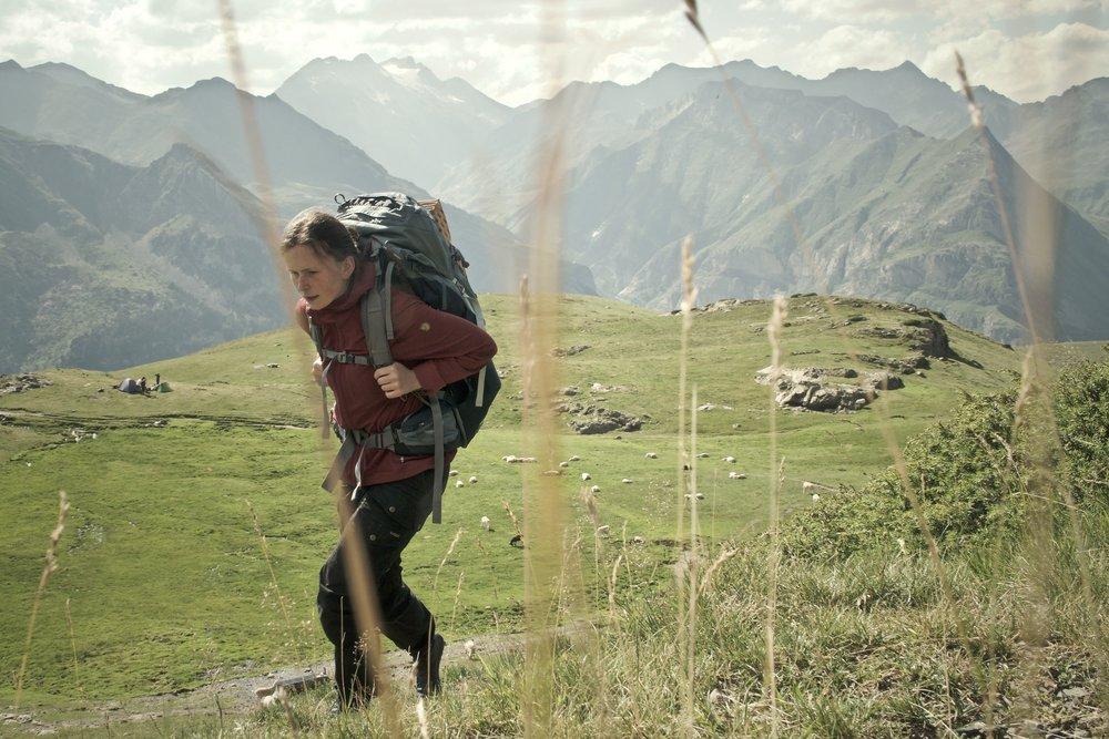 Johanne på vej det sidste stykke til lejrpladsen