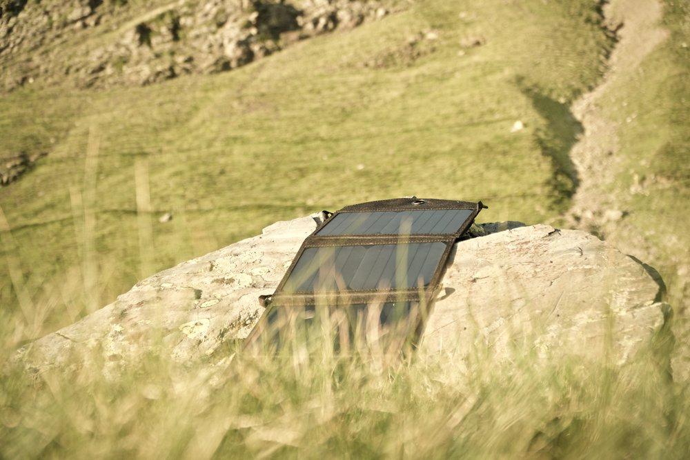 Solcellerne udnyttes i dagens sidste stråler