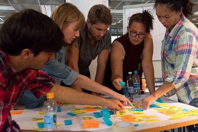 Laboratorio de Impacto - El Laboratorio de Impacto es un espacio para personas sedientas de cambio, que en vez de esperar a que suceda, están dispuestas a crearlo ellas mismas.Queremos llevar la frustración a las ideas y las ideas a la acción, al desarrollar un proyecto de impacto que opere de manera sostenible social, financiera y ambientalmente.