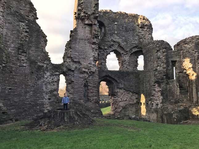Abergavenny_Castle1.jpg