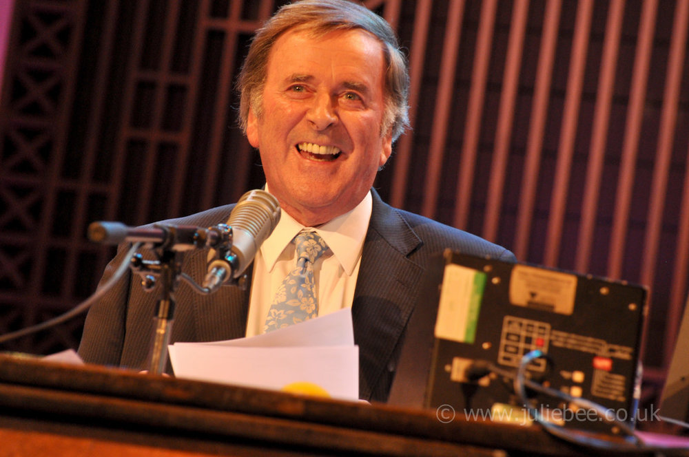 bbc-radio2-sir-terry-wogan-weekend-wogan-radio-still.jpg