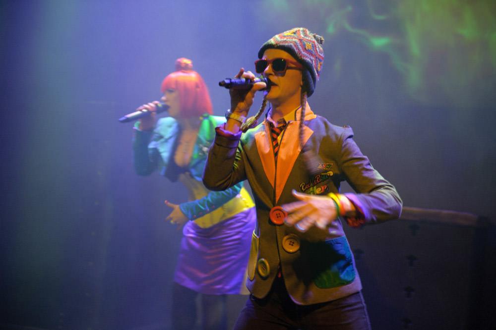 edinburgh-fringe-performers-singers.jpg