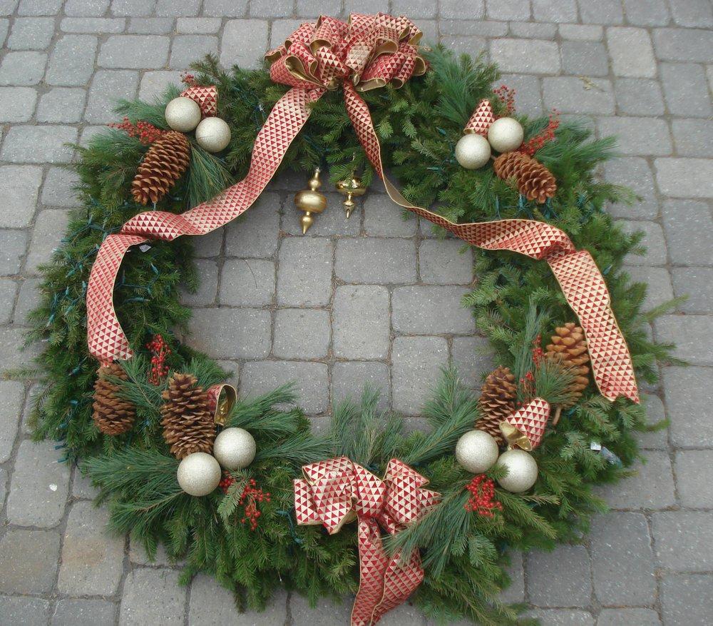 W- 48 Decorated wreath.jpg