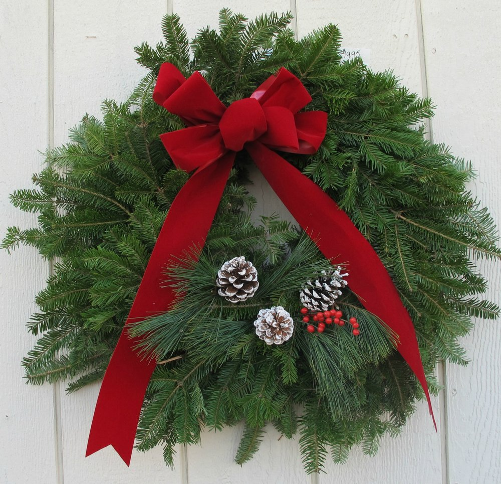 W- Fundraiser wreath 2.jpg
