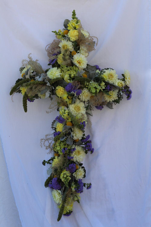 C- Cross of white dahlia and miscanthus.JPG