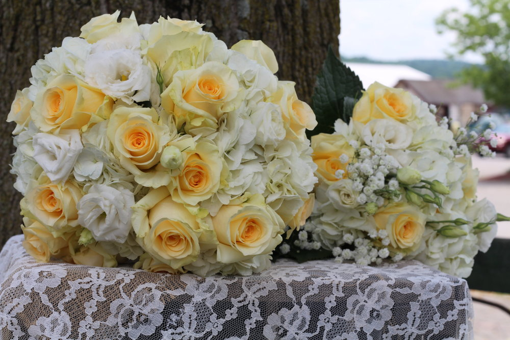 B- Double yellow bouquet.JPG