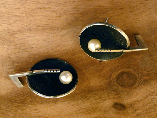 Sterling Silver & White Pearl Earrings