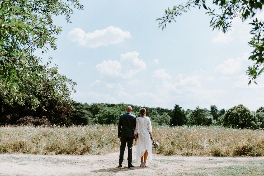 Intimate_Scandinavian_Surrey_Wedding_Leatherhead_40.JPG