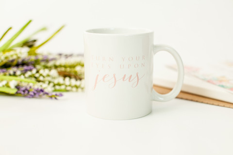 turn your eyes upon Jesus mug