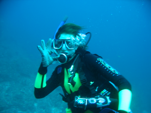Scuba diving at Flat Rock, Stradbroke Island