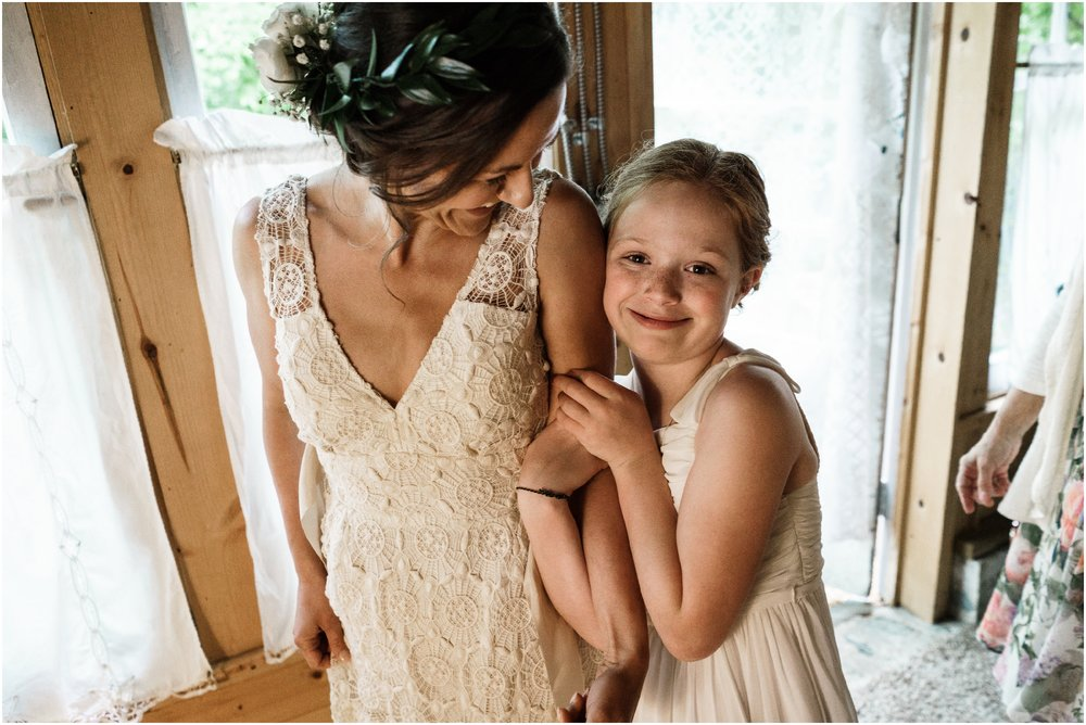 bride and her daughter posing