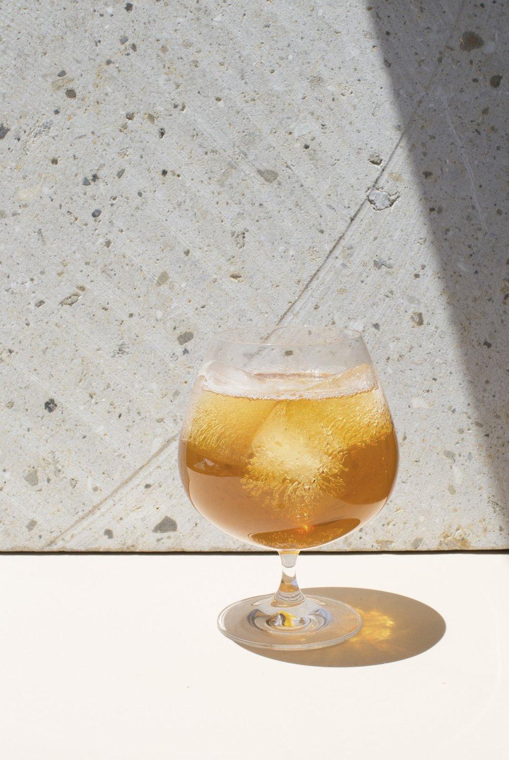 Armónico  Café Cold brew  Agua tónica