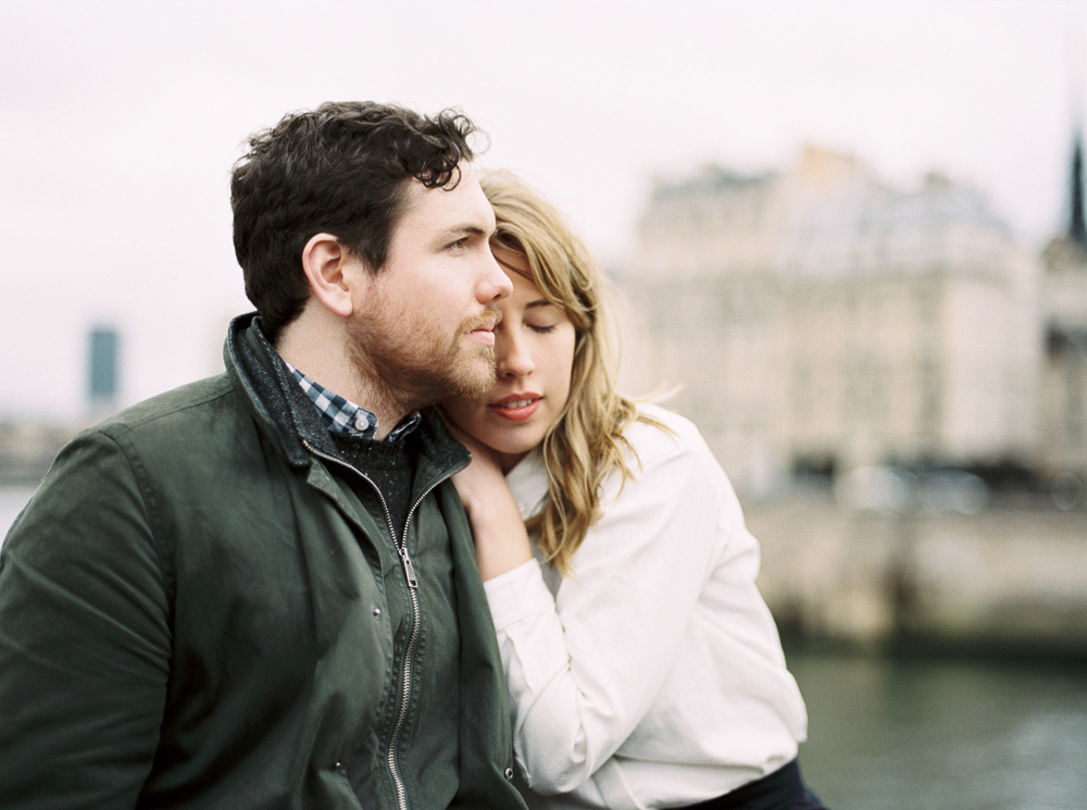 paris-engagement-photo-winter-inspiration-anniversary-elopement14-6.jpg