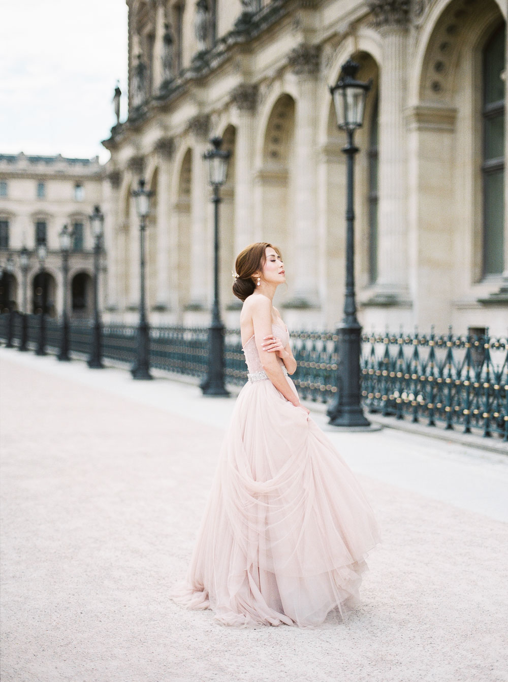 Paris pre-wedding pink wedding dress inspiration 巴黎婚紗攝影