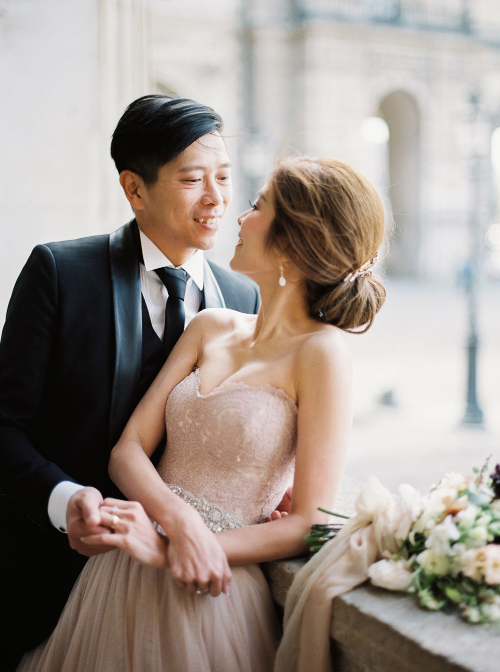 Paris wedding photographer Paris elopement wedding ceremony lara lam
