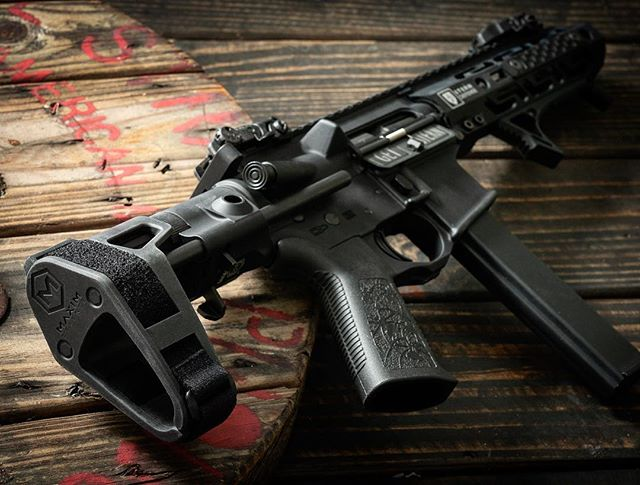 I'm loving this @maximdefense brace!!! It's collapses more than its competitors and love the retained buffer system! I wonder if the @franklinarmory binary trigger will work in this @sterndefense #9mm #AR15 build. . #weaponsdaily #gunsdaily #ar15pistol #gunsofinstagram #weapons #tactical #freedom #murica #madeinamerica #2a #2ndamendment #molonlabe #donttreadonme #rifle #edc #everydaycarry #pistol #pewpew #thepewpewlife #guns #firearms #firearmsphotography #igmilitia