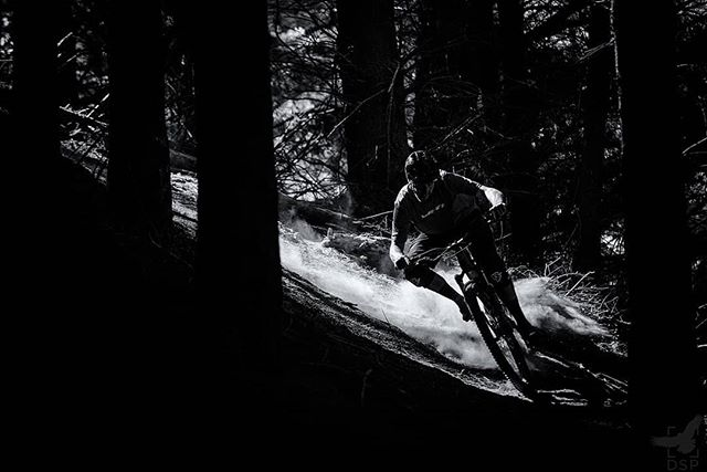 Had a sick day at the gorge yesterday and didn't take any photos. So here's another picture of @whiskymike doing what he does best and getting loose in the dust on smasher.  #whfwyl #bwwednesday#monochrome #sicktrail #wheelworks #nelsonnz #nelsonmtbc #nelsonmtbcomunityisthebest #bw