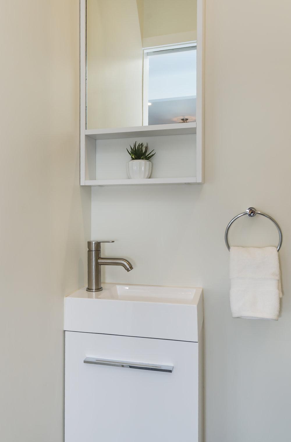 bath-sink.jpg