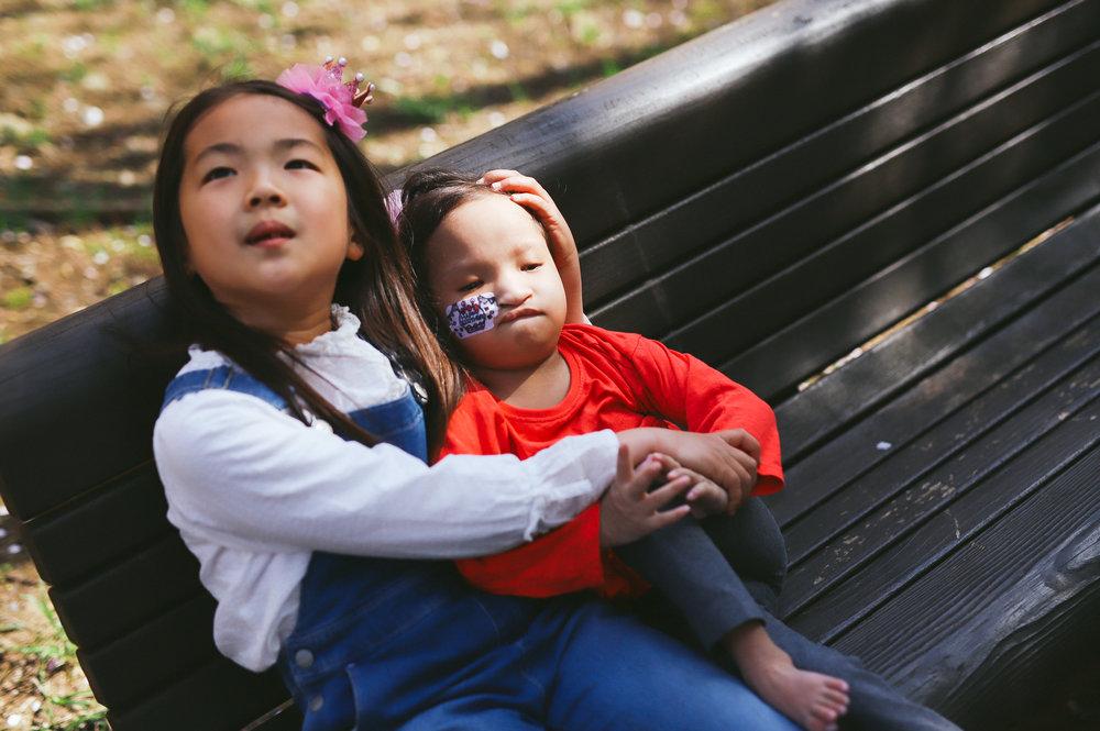 カップル写真のような姉妹写真
