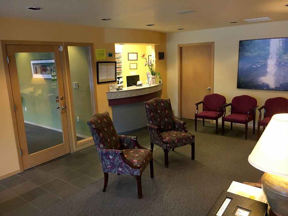 office-photo-reception-room-2.jpg