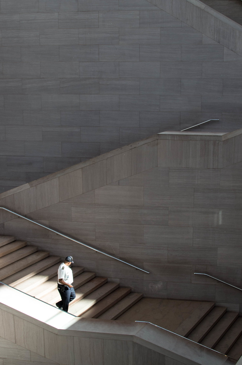 2015-09-14 washington_dc national gallery east_stairs man V1.jpg