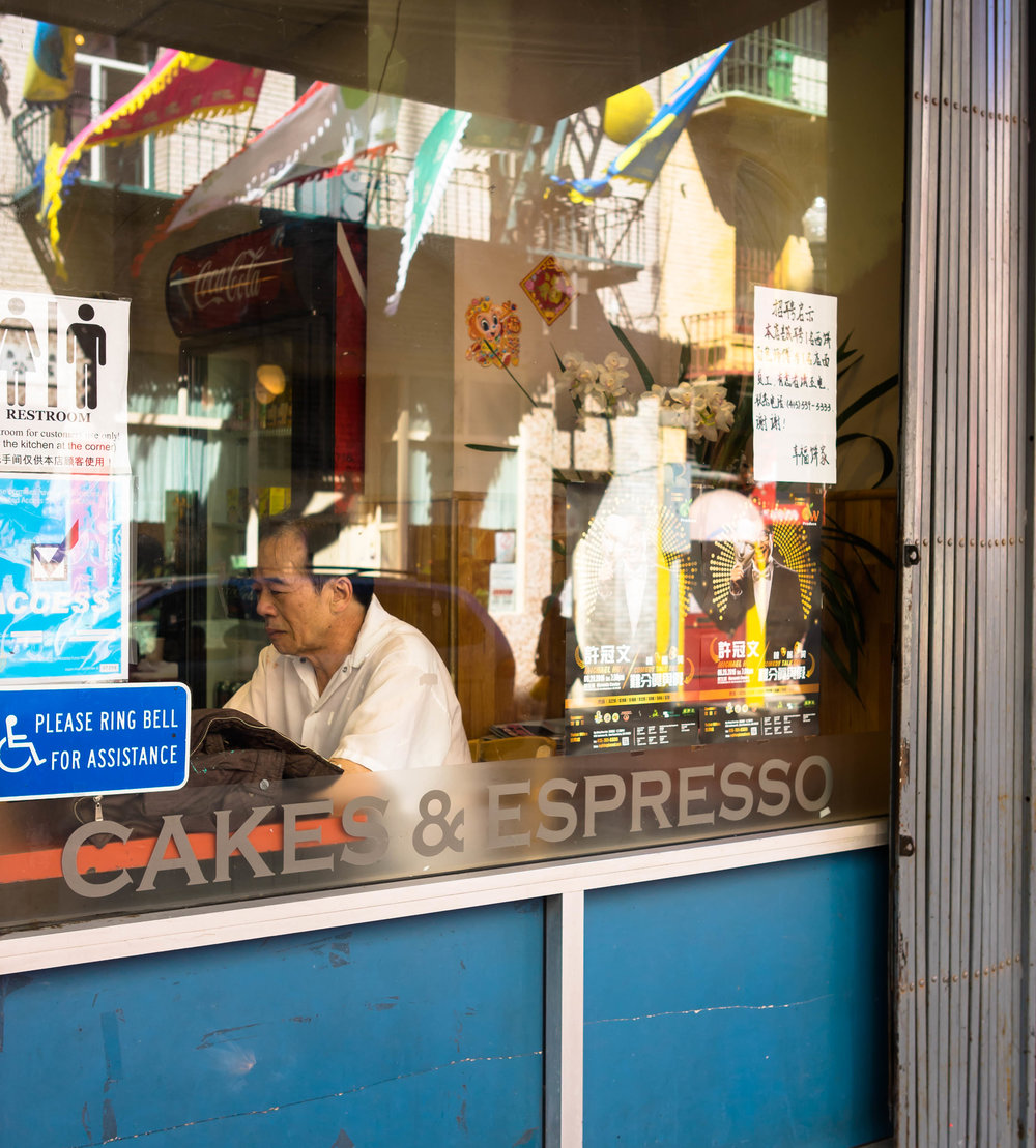 2016_04_02 sf_ca_usa chinatown man in window V3.jpg
