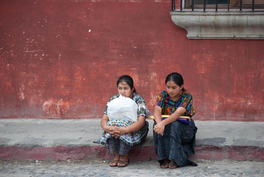 2008 antigua_guatemala women sidewalk 1 V1.jpg