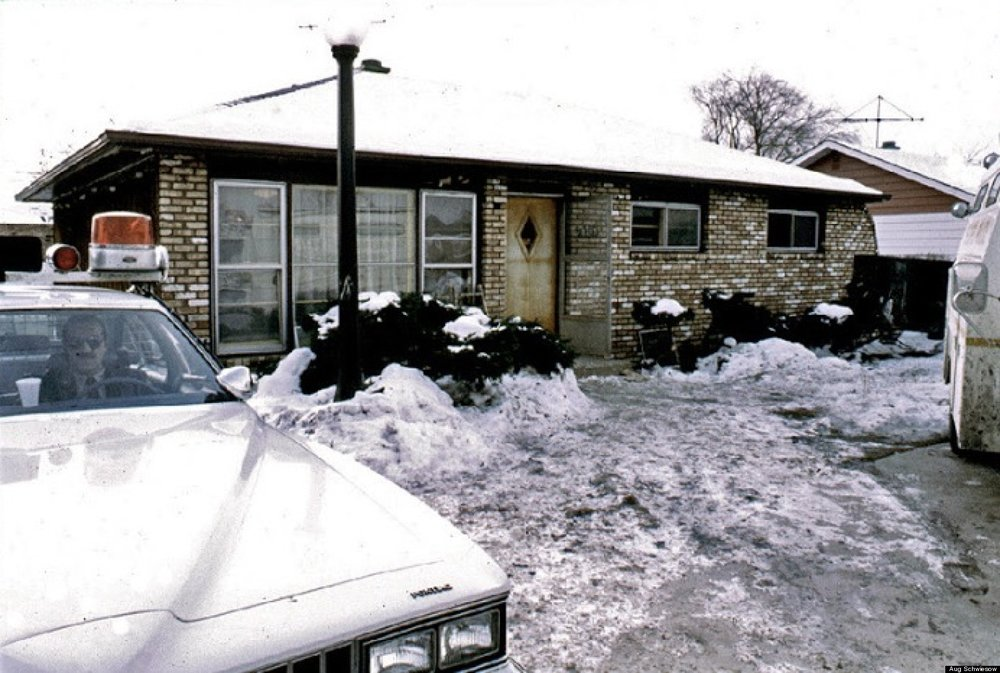 John Wayne Gacy's place; 26 boys buried in the house, 7 in the river. I'm gonna go see this place when we're in Chicago. It looks like the following picture now.