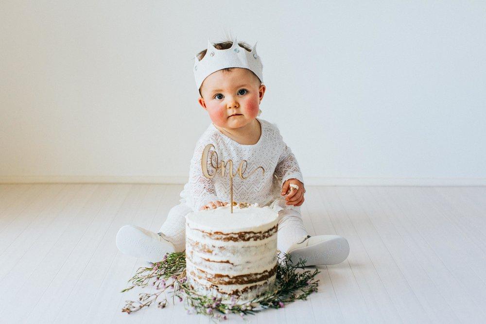 web_HARPER CAKE SMASH-16.jpg