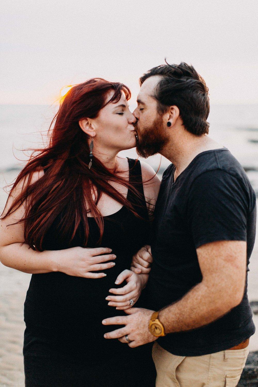 darwin-maternity-session-www.emilyobrienphotography.net-22.jpg