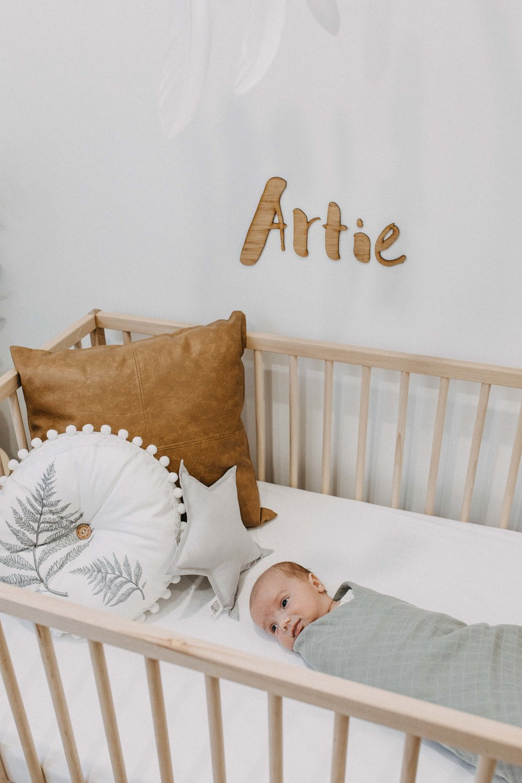 twin-newborn-photography-camden-macarthur-15.jpg