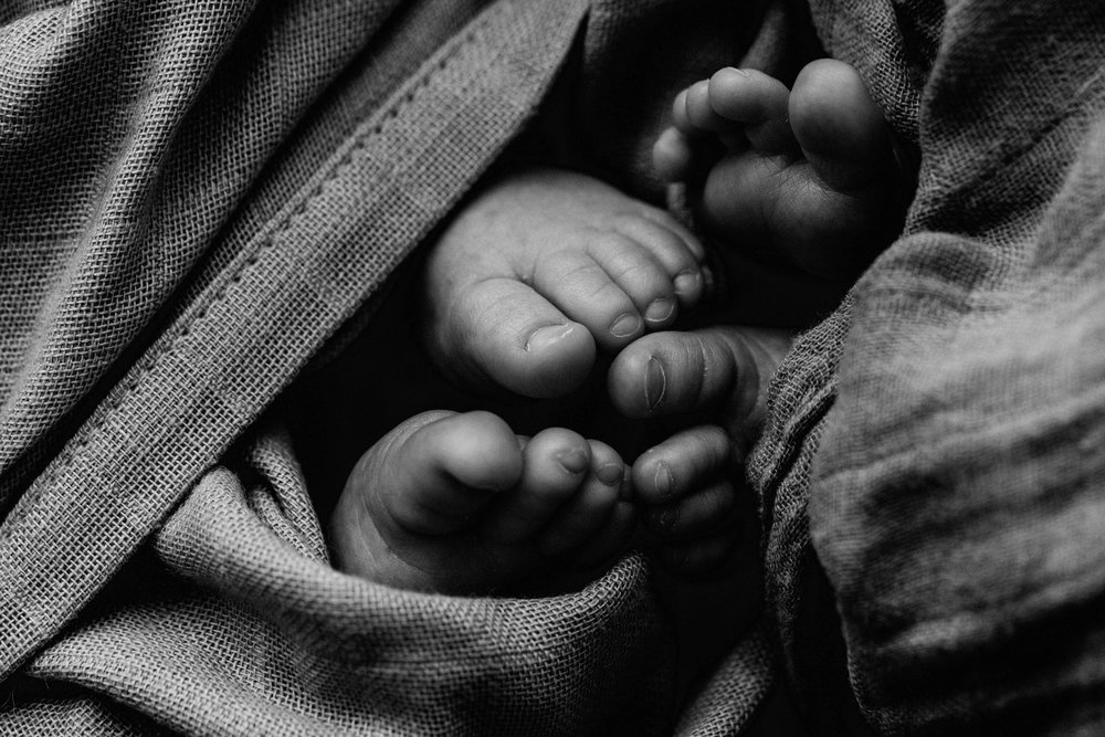 twin-newborn-photography-camden-macarthur-77.jpg