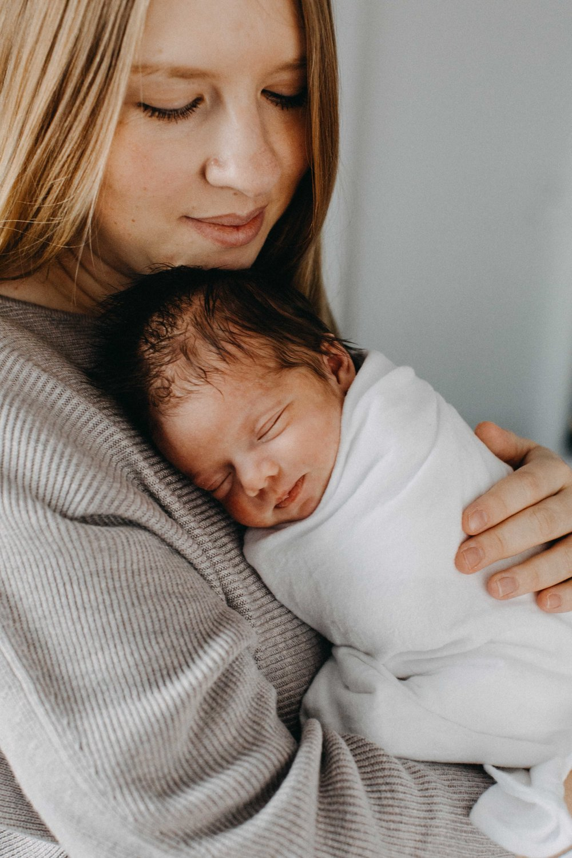 bulli-newborn-lifestyle-photography-www.emilyobrienphotography.net-25.jpg