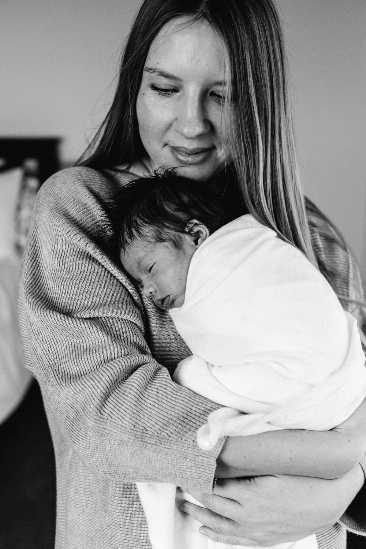 bulli-newborn-lifestyle-photography-www.emilyobrienphotography.net-26.jpg