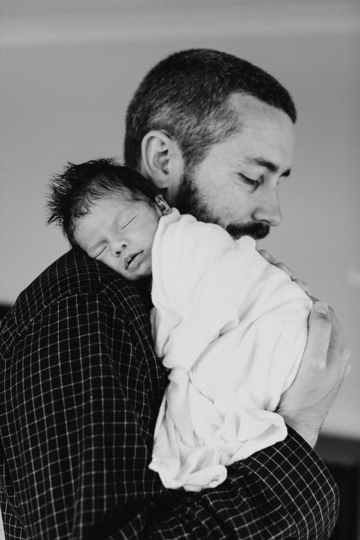 bulli-newborn-lifestyle-photography-www.emilyobrienphotography.net-36.jpg