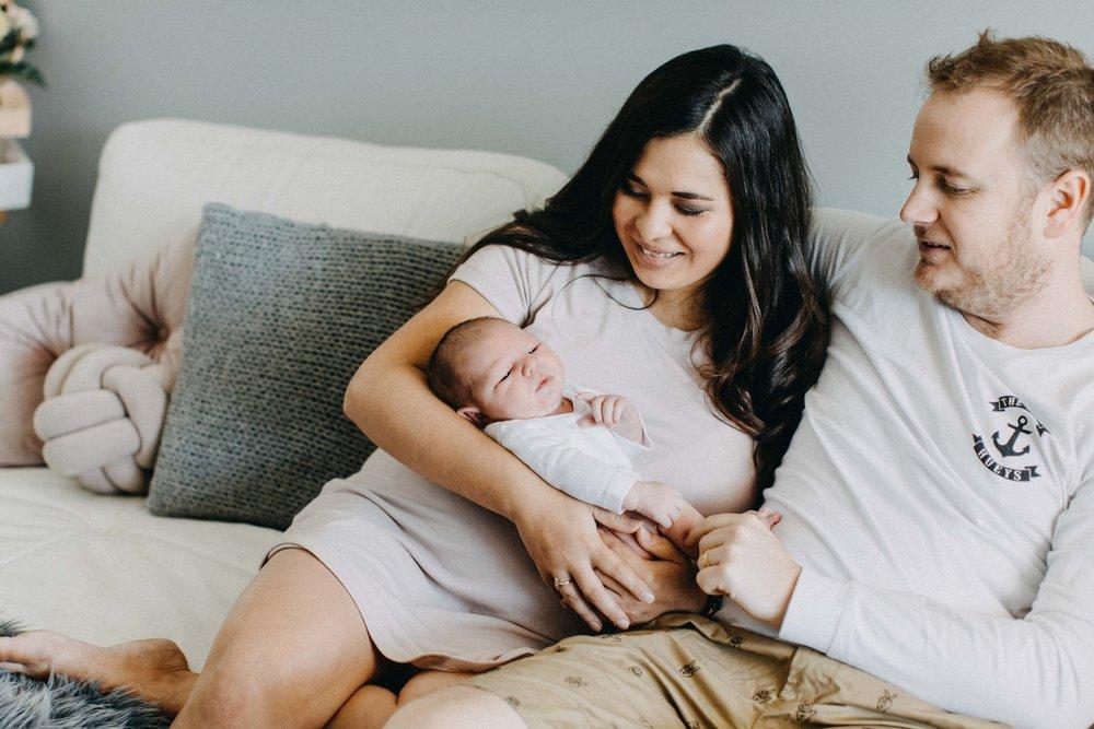 camden-newborn-photography-lifestyle-hunter-www.emilyobrienphotography.net-2.jpg