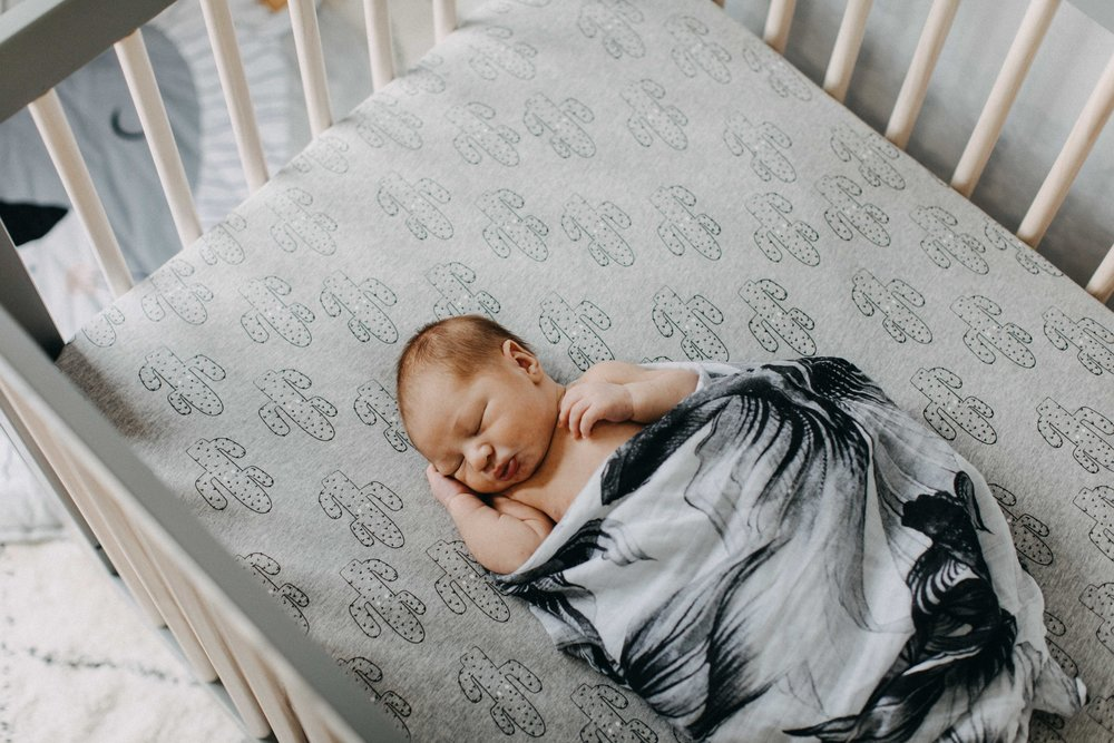 camden-newborn-photography-lifestyle-hunter-www.emilyobrienphotography.net-44.jpg